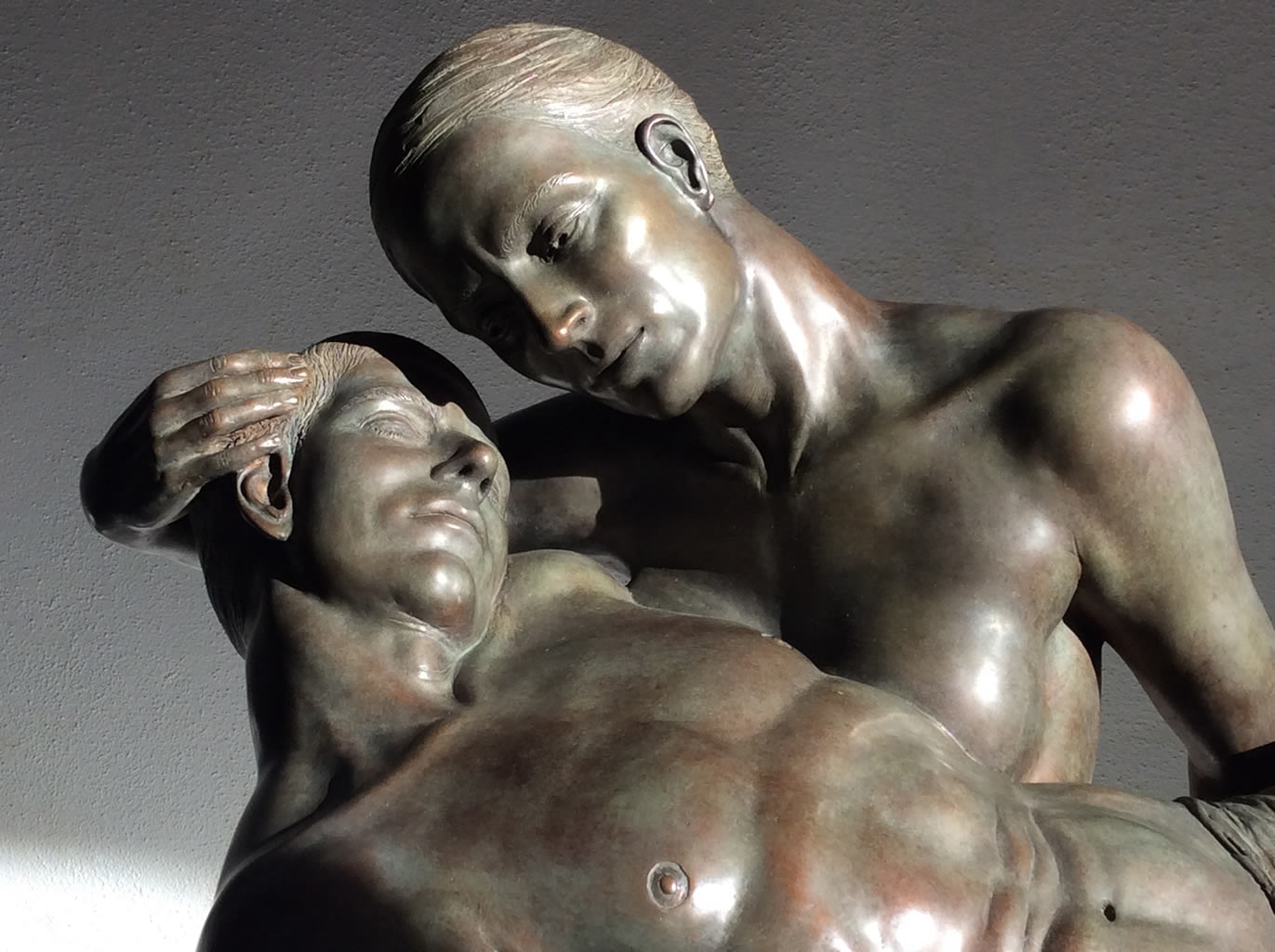 Figurative Bronz sculpture by Margot Homan